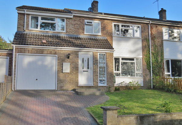 Bourne Vale, Hungerford – Guide Price £415,000