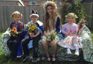 Kintbury May Day children