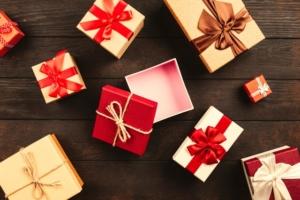 Annual Sale of Christmas Goods in aid of Save the Children @ Upper Eddington | England | United Kingdom