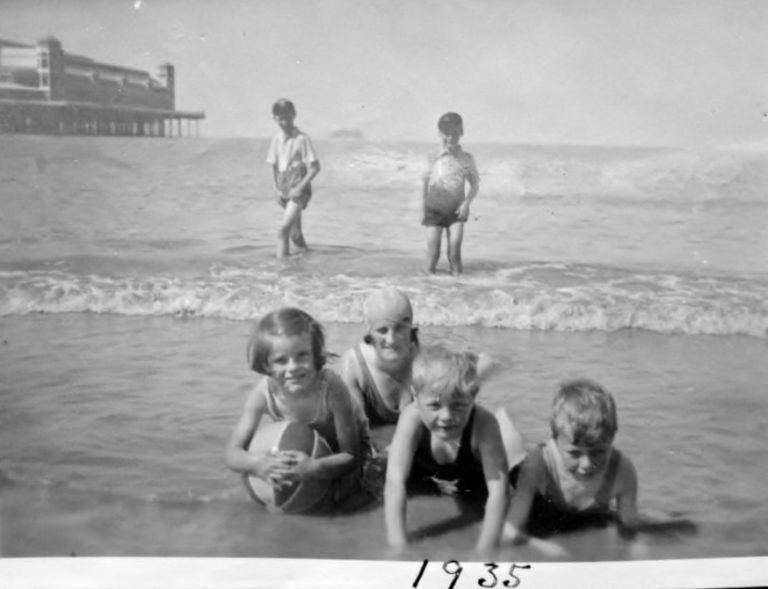 Sheila Busby, Mrs Busby, Louis and George, 1935