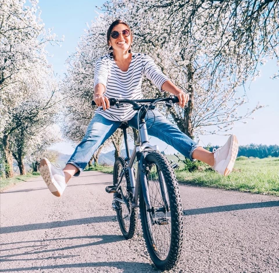 Luna Boutiques spring bike